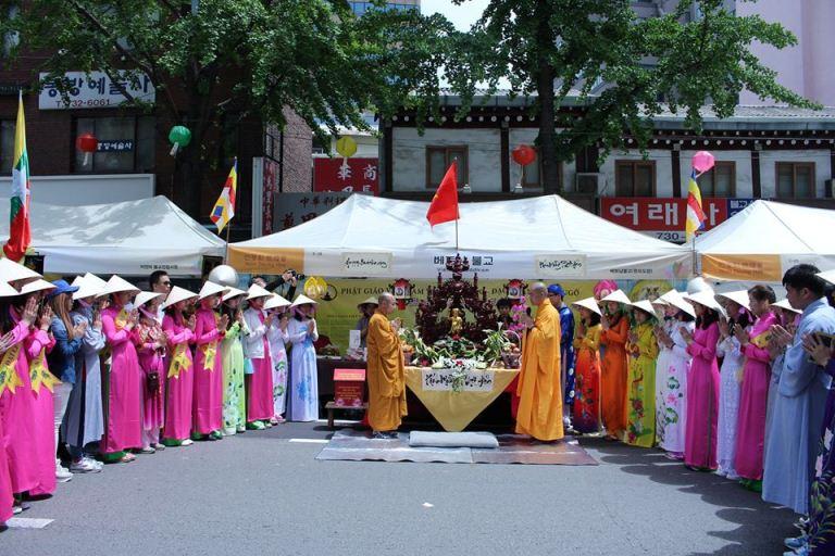 Triễn lãm văn hóa Phật giáo Việt Nam 2016